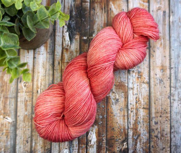 Slightly Red ∙ Socks Basic 100g/420m